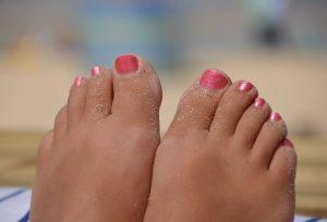 uñas pies amarillas remedios